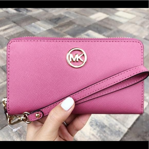d82d34ca7823 Michael Kors Phone Wristlet Tulip Pink Wallet